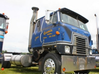 1981 International Transtar II Blue