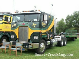 Custom Peterbilt Green Yellow Cabover Rig