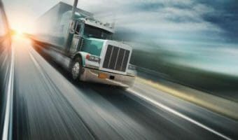 What Truckers Should Know About Using Cruise Control