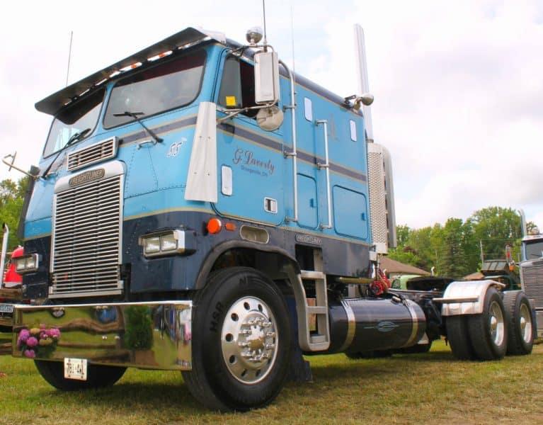 1988 Freightliner Cabover Blue