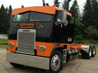 1987 Freightliner Cabover Orange Black