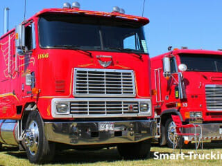 Red International Cabover Truck Freightliner Cabover