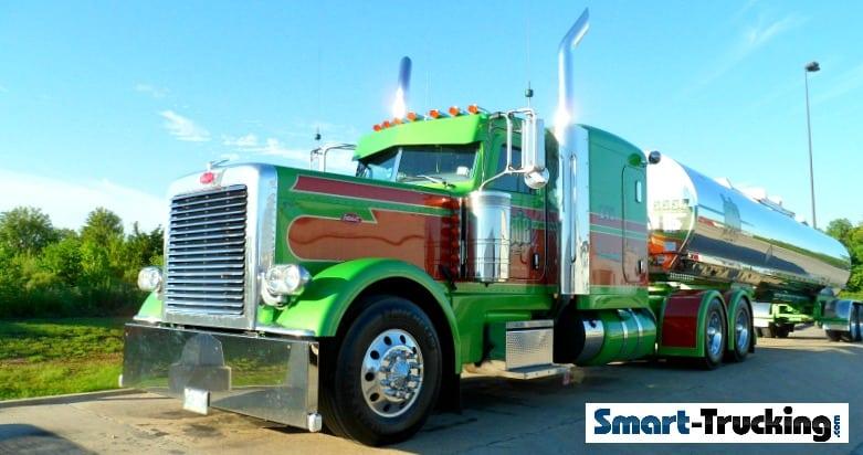 Green Red Peterbilt 379 Truck